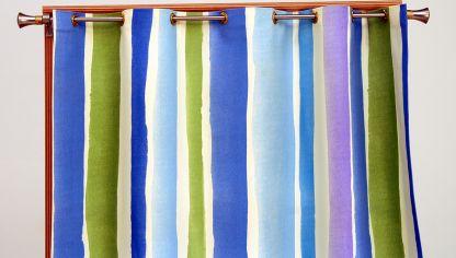 Instalar cortinas de lamas verticales bricoman a for Como poner ganchos cortinas