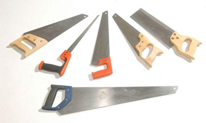 Sierra de mano para madera bricoman a - Herramientas para cortar madera ...