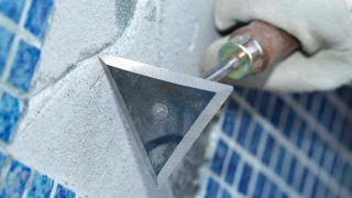 Reparación de grieta en piscina de gresite