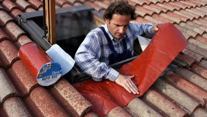 Instalaci n de ventana para tejado bricoman a for Tejados madera leroy