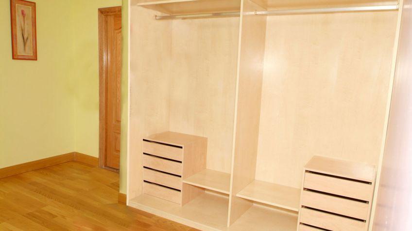 interior de armario empotrado bricomana - Vestir Armarios Empotrados