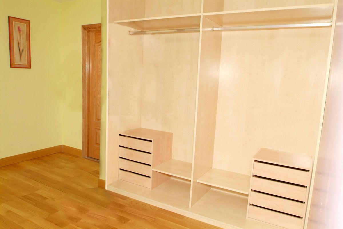 Como hacer un armario para ropa casero - Puertas correderas armario empotrado ...