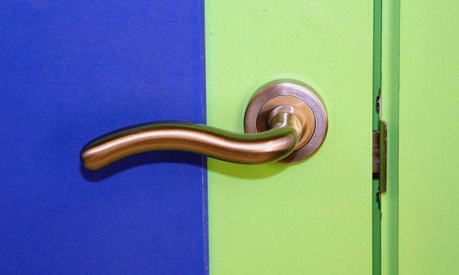 Cambiar la manilla de una puerta - Bricomanía