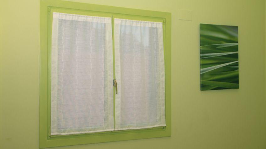 Pintar el marco de la ventana - Bricomanía