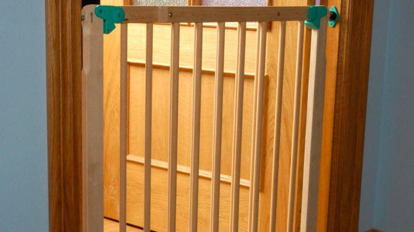 Pasamanos de madera brico depot elegant mira sta pavos - Puerta escalera ninos ...
