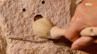 Cómo restaurar falsa piedra