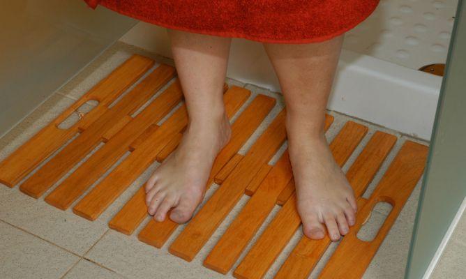 Proteger alfombra de madera para ducha bricoman a - Alfombras de madera ...