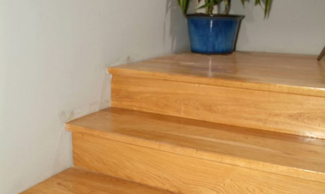 Reparar escalera de madera bricoman a - Pasta para reparar madera ...