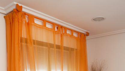 Crear cortinas con cinta de ollaos bricoman a - Como tapar el gotele sin quitarlo ...