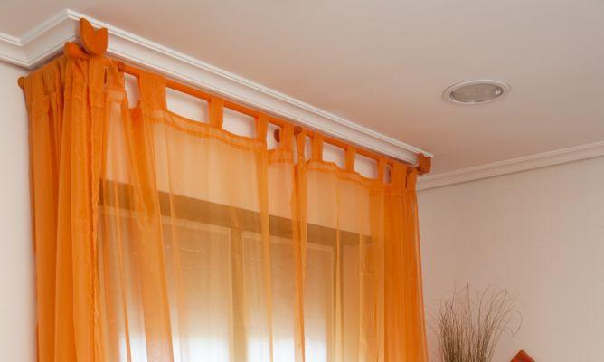Modificar la barra de las cortinas en ventana con caja de for Como poner cortinas
