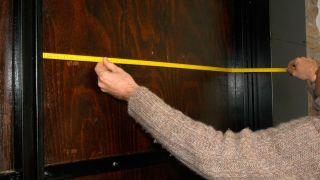 Cómo cubrir la puerta del garaje para aislarla
