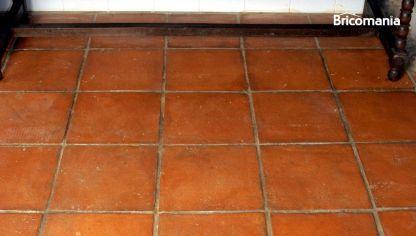 Tratar suelo de barro hogarmania for Abrillantar suelo porcelanico mate