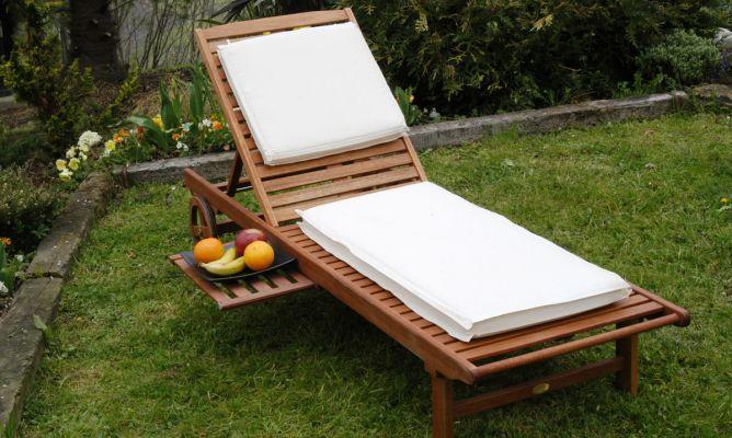 Mantenimiento de una tumbona de madera de teca bricoman a for Muebles bricomania