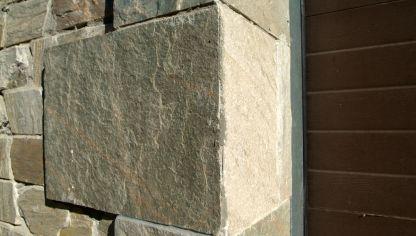 reparar una esquina de pared de piedra