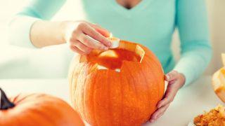 Cómo tallar una calabaza para Halloween - Paso 3