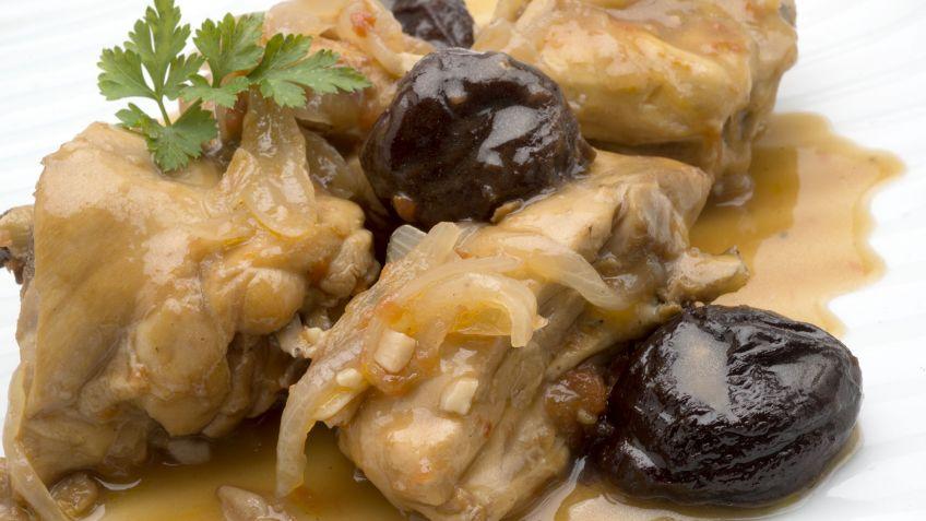 Receta de Pollo rustido con ciruelas - Karlos Arguiñano