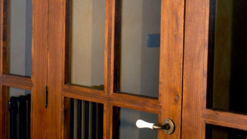 Bonito puertas de comedor im genes puerta corredera for Cristales para puertas de madera