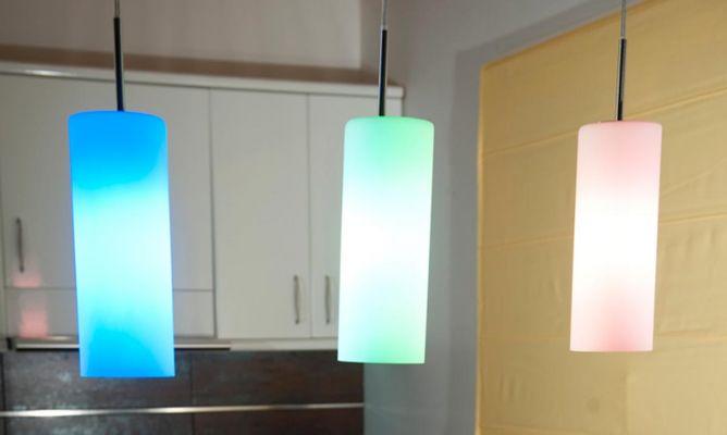 Bombillas de bajo consumo de colores bricoman a for Bombillas bajo consumo