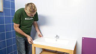 Cómo montar un mueble para lavabo en kit