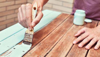 C mo pintar un mueble de madera hogarmania - Pinturas de madera ...