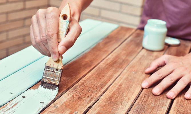 Errores frecuentes al pintar muebles de madera