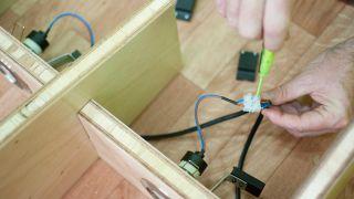 Cómo construir una estantería de formas onduladas