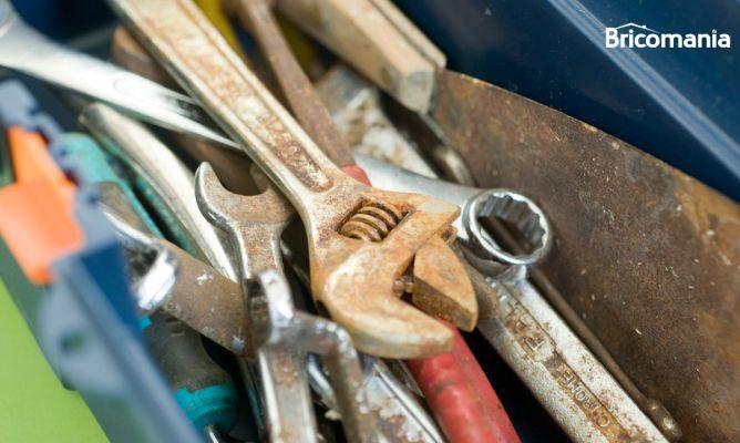 Eliminar el xido en herramientas y objetos met licos - Comment enlever la rouille sur des outils ...