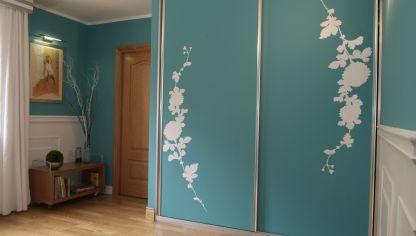 decorar puerta de armario