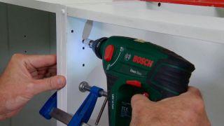 Cómo instalar una cocina en ángulo (Parte 1)