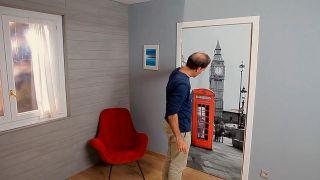 Cómo empapelar una puerta de interior