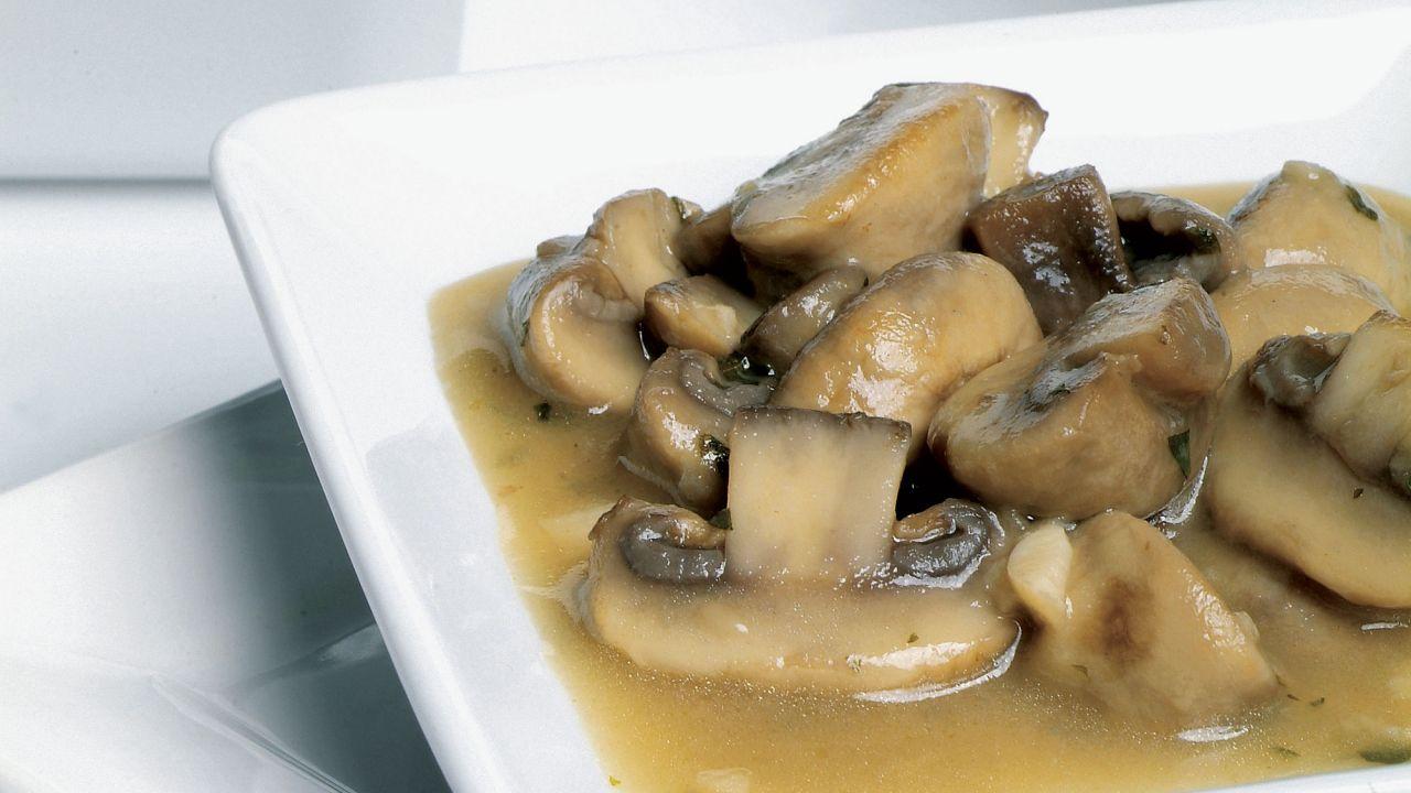 Receta De Champiñones En Salsa De Vino Blanco Karlos Arguiñano