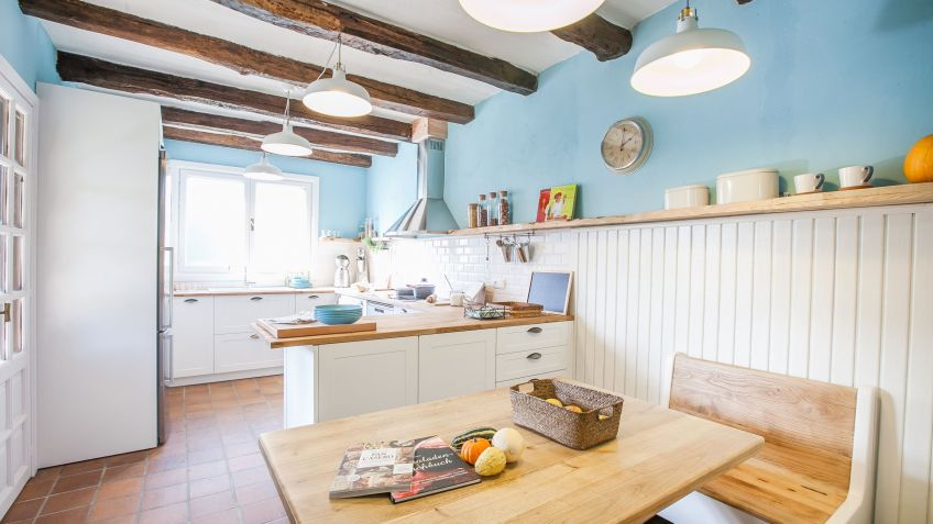 Cocina rústica en blanco y azul - Decogarden