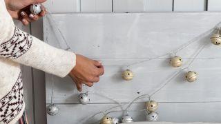 decorar un dormitorio con toques navideños - paso 1