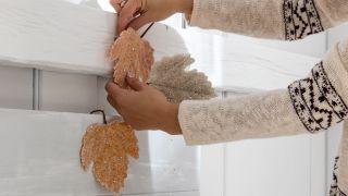 decorar un dormitorio con toques navideños - paso 2