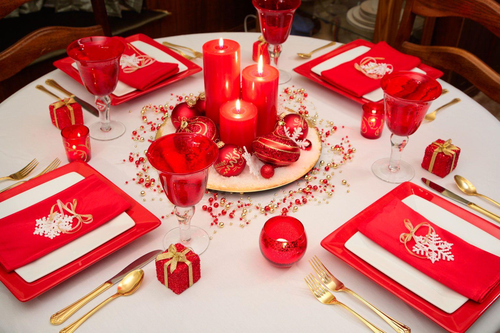 Decorar mesa de navidad en blanco rojo y dorado hogarmania - Mesas para navidad ...
