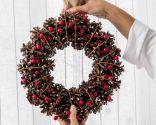 Decorar ventana con coronas y velas para Navidad - Paso 1