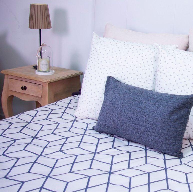 Ideas para decorar un dormitorio estilo n rdico hogarmania - Cojines para dormitorio ...
