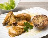 Pollo asado con patatas y ensalada verde