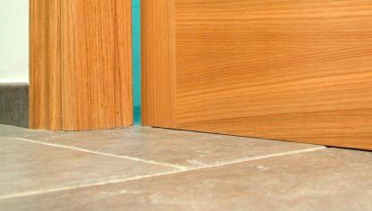 Reparar la jamba de puerta bricoman a - Como arreglar puertas de madera ...