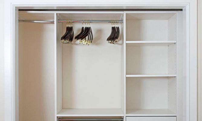 C mo hacer un armario empotrado hogarmania - Revestir armario empotrado ...
