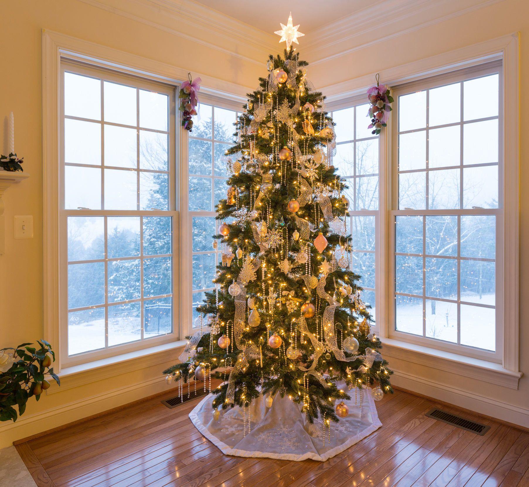 Ideas para decorar el pie del árbol de Navidad