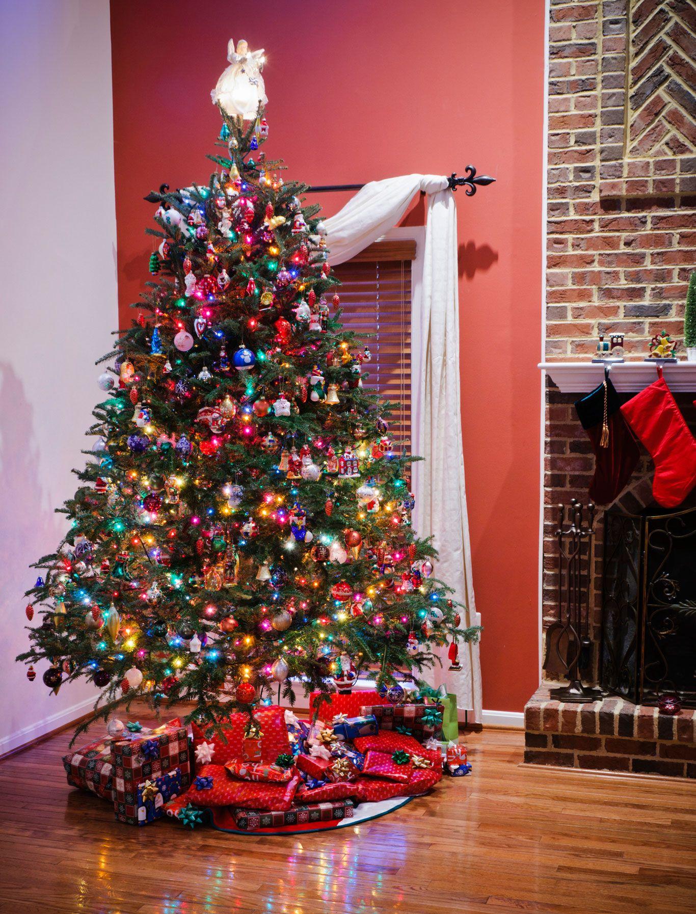 Ideas para decorar el pie del rbol de navidad hogarmania - Arbol de navidad de pared ...