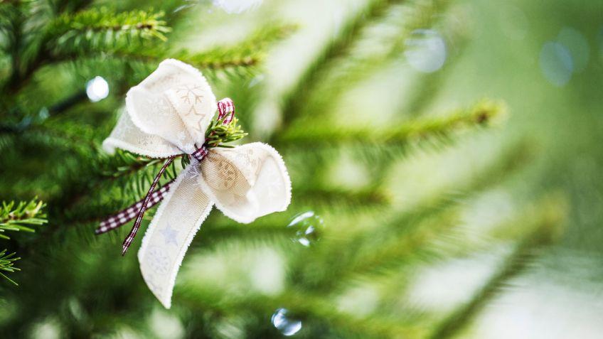 lazos navideños para decorar el árbol de navidad hogarmania