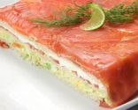 Pastel de salmón con pan de molde y mayonesa