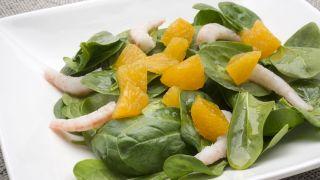 receta de ensalada de espinacas y naranja