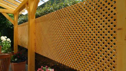 Cercado de madera hogarmania for Celosias de jardin