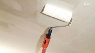 Cómo pintar un techo de yeso laminado