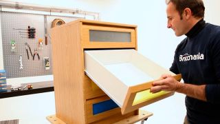 Cómo cambiar guías de un cajón
