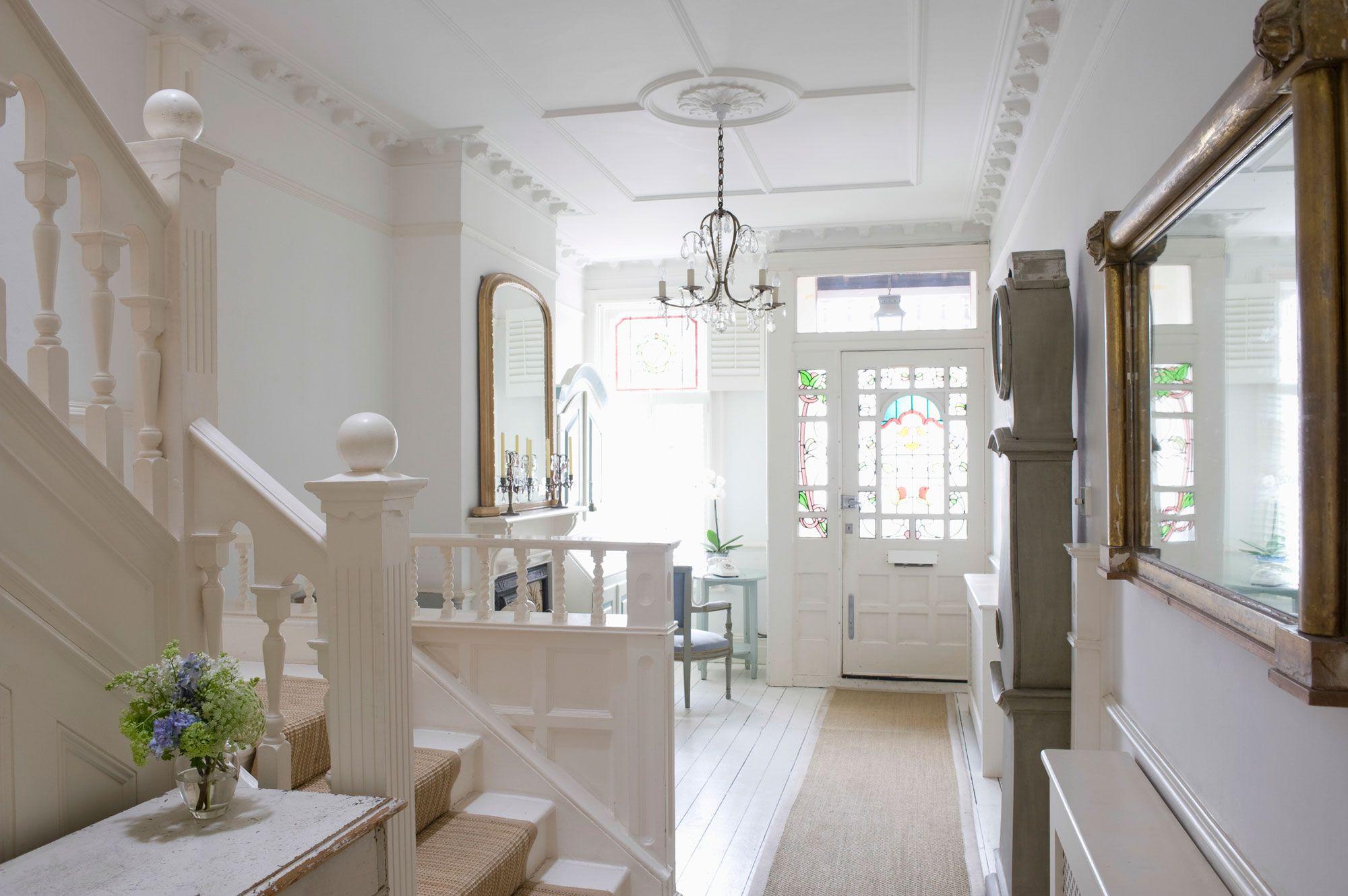 Hogar feng shui: cómo decorar la entrada y las escaleras
