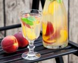 bebidas estimulantes - licor melocotón